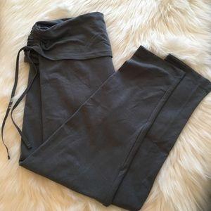 Victoria's Secret light grey tight Capri leggings